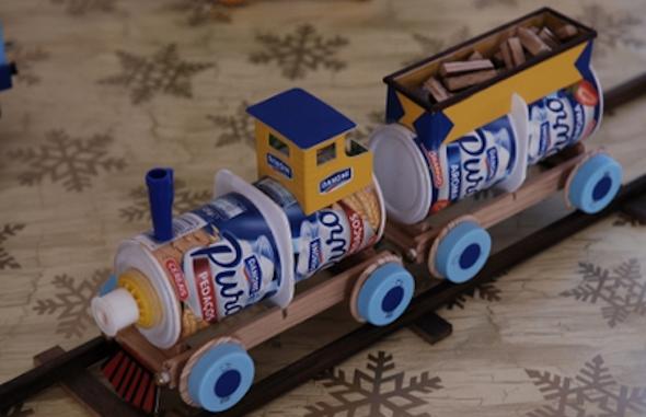 brinquedo+para+menino+material+reciclado