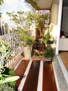 Mini jardim na varanda apartamento 14