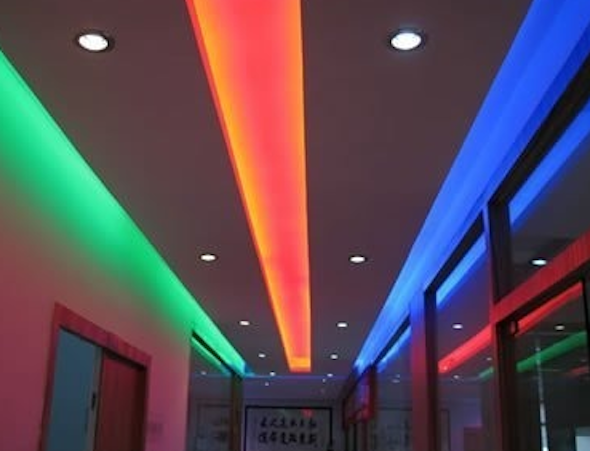 fita de led multicolor na decoracao7