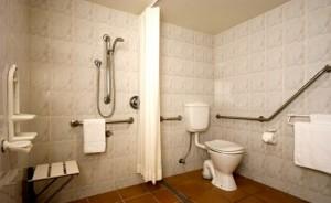 Banheiro adaptado para idosos 002