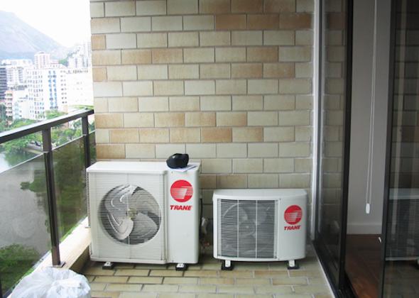 ar condicionado na varanda do apartamento3