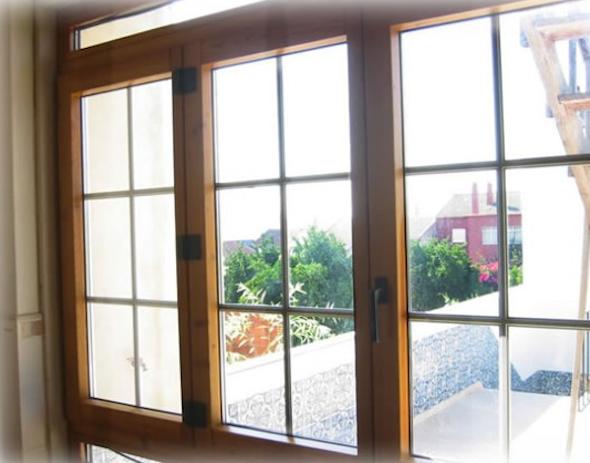Tipos de janelas de madeira para casa 8
