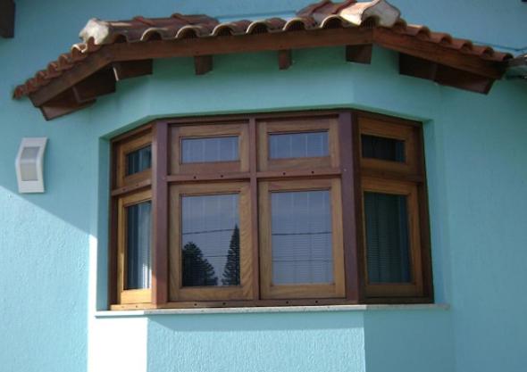 Tipos de janelas de madeira para casa 9