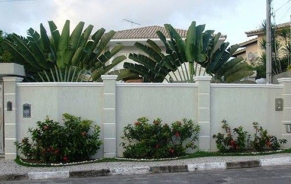 Cores-e-muros-cheios-de-plantas-009