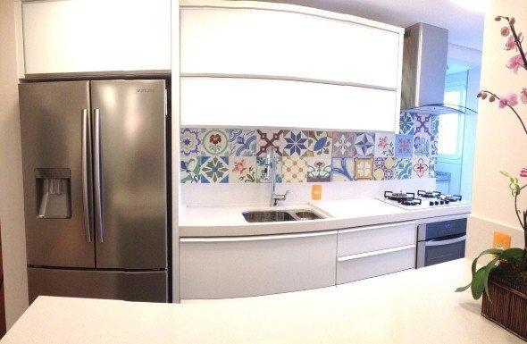 Decorar-a-cozinha-com-adesivo-de-ladrilho-hidr_ulico-003
