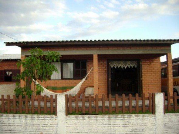 Fachadas-de-casa-com-tijolinhos-011