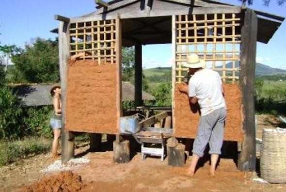 Como construir uma parede de pau a pique1