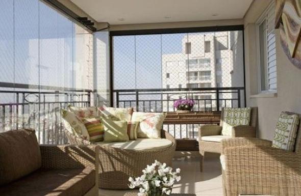 Como montar uma sala de estar na varanda do apartamento-8