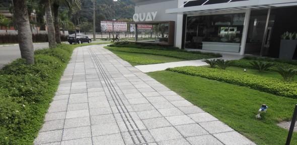 Pisos cimentícios em calçadas 001