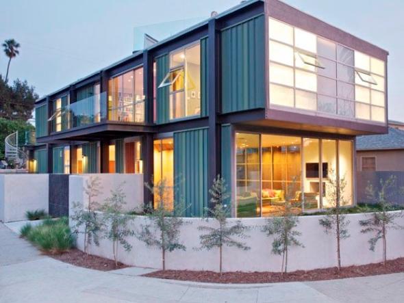 10-Casas de container