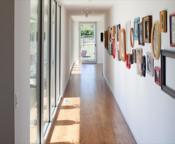 6-Hall de entrada decorar com quadros e prateleiras