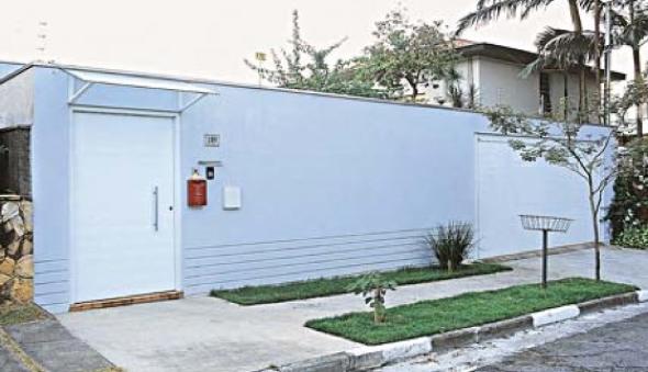 2-Fachadas de casas em cores claras a nova tendência