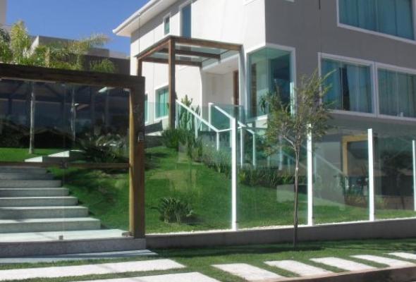 8-fechadas de casas com vidros