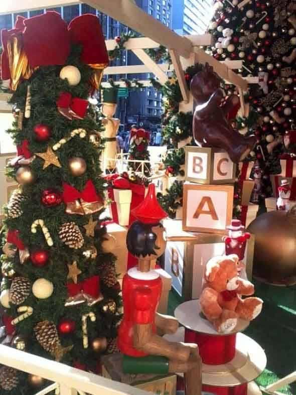 Brinquedos-na-decora__o-de-natal-007