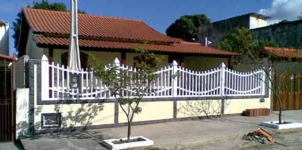 Frente-de-casas-com-grades-de-ferro-009