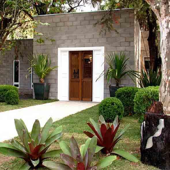 Frente-de-casas-com-jardim-013