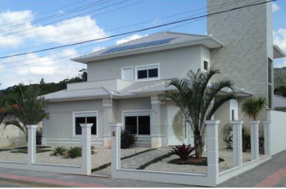 Fachada-de-casa-estilo-colonial-moderno-009
