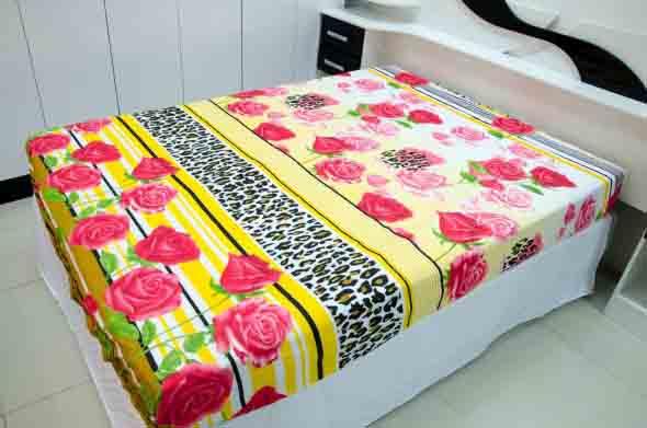 Tecidos de poliéster são práticos e leves, mas esquentam bastante no calor.