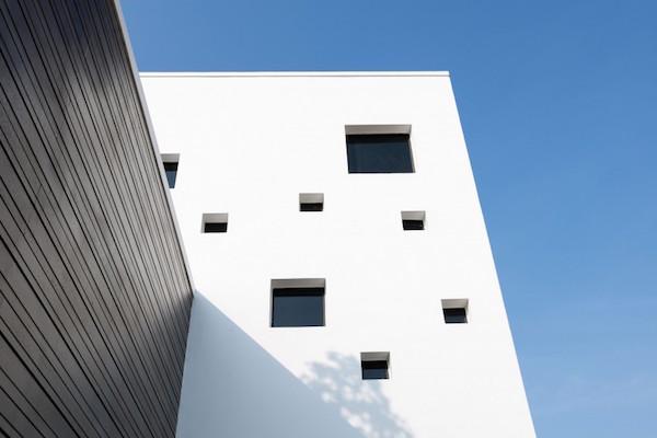 BQ-17 Residence, casa minimalista4