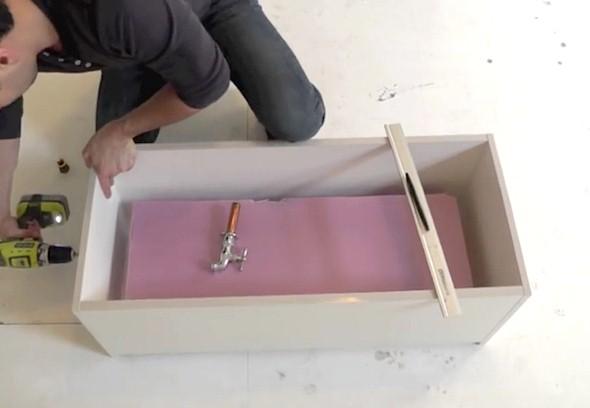 Como fazer um canteiro de concreto para flores 003