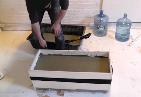 Como fazer um canteiro de concreto para flores 005