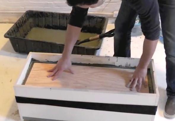 Como fazer um canteiro de concreto para flores 006