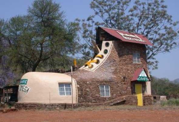 Casas construídas com objetos inusitados 011