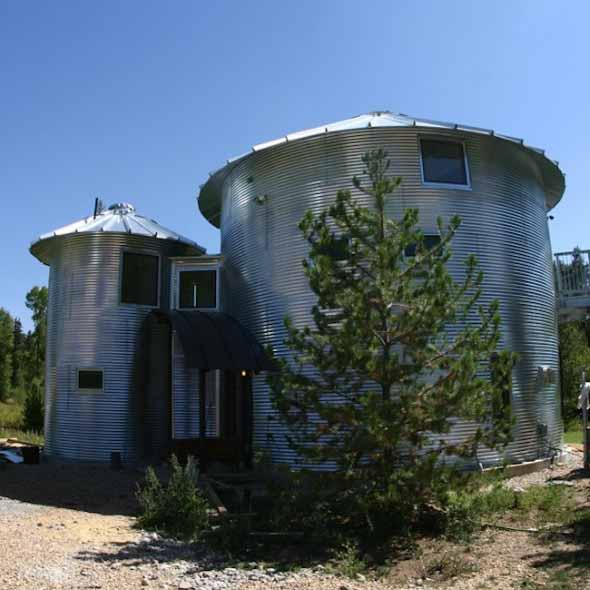 Casas construídas com objetos inusitados 016