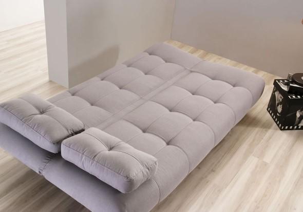 Sofá cama em casa 001