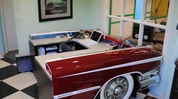 Design retrô com carros antigos na decoração 006