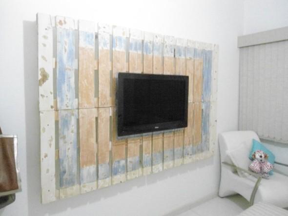 Painel de parede feito com paletes 012