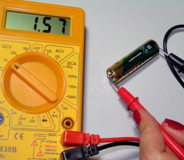 Como medir corrente elétrico com multímetro 002
