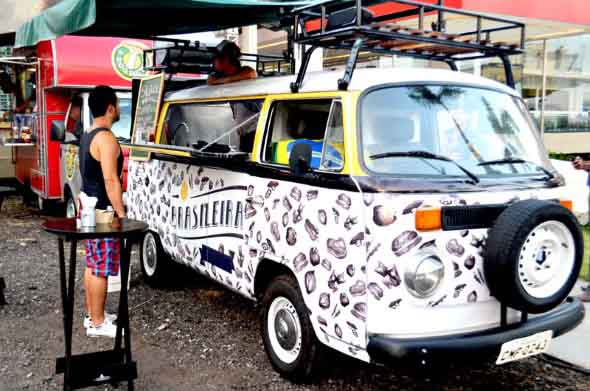 Todo o charme da Kombi Food Truck 001