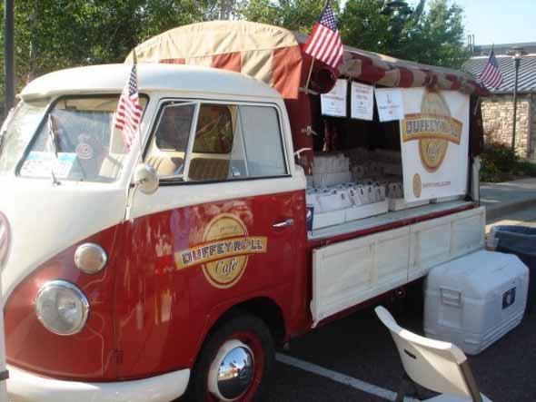 Todo o charme da Kombi Food Truck 004