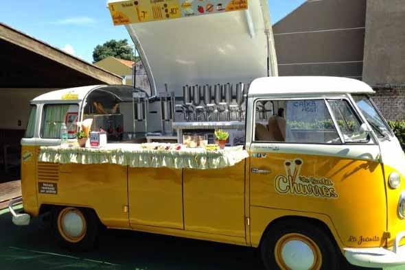 Todo o charme da Kombi Food Truck 005