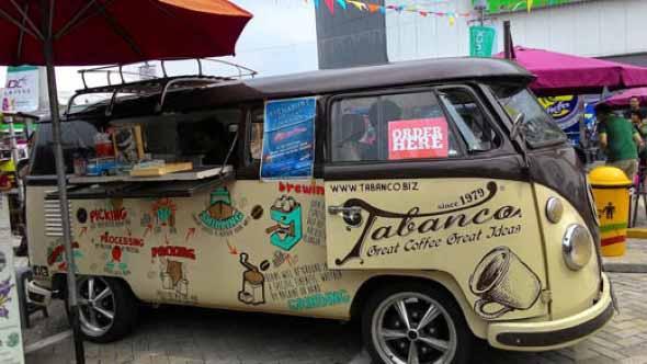 Todo o charme da Kombi Food Truck 010