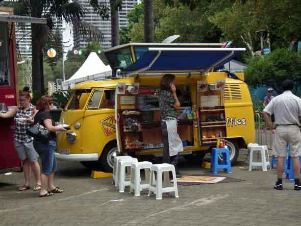 Todo o charme da Kombi Food Truck 012