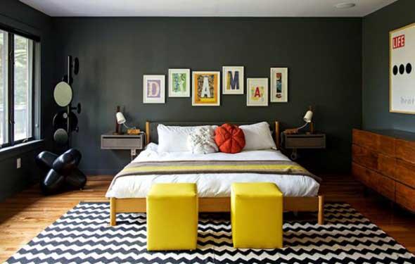 Todo o charme das paredes pretas na decoração 005
