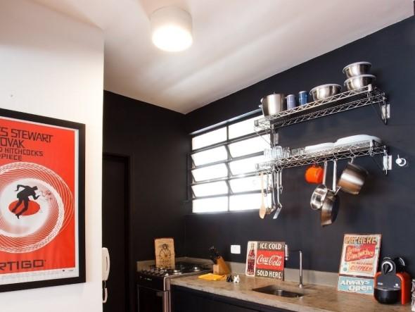 Todo o charme das paredes pretas na decoração 006