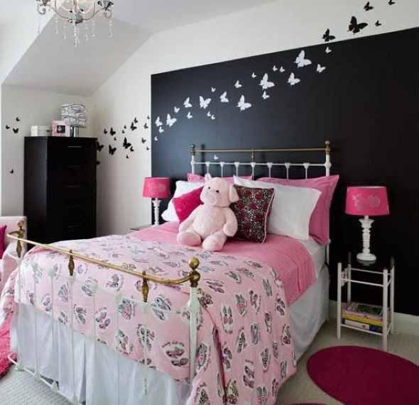 Todo o charme das paredes pretas na decoração 010