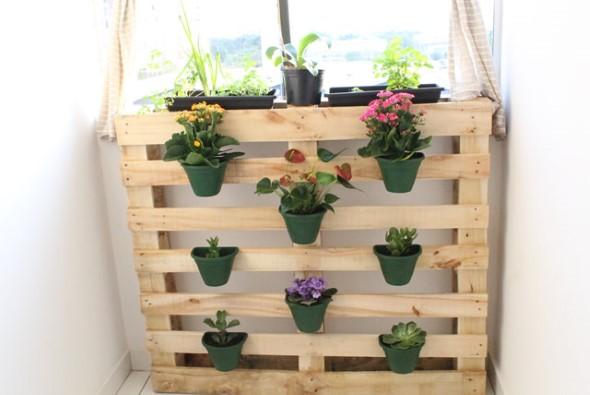 Aprenda a fazer um jardim vertical com paletes 001