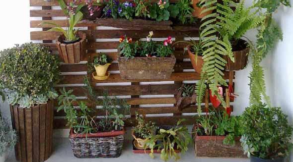 Aprenda a fazer um jardim vertical com paletes 002