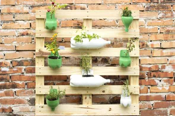 Aprenda a fazer um jardim vertical com paletes 003