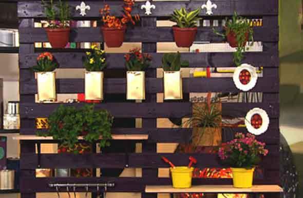 Aprenda a fazer um jardim vertical com paletes 013