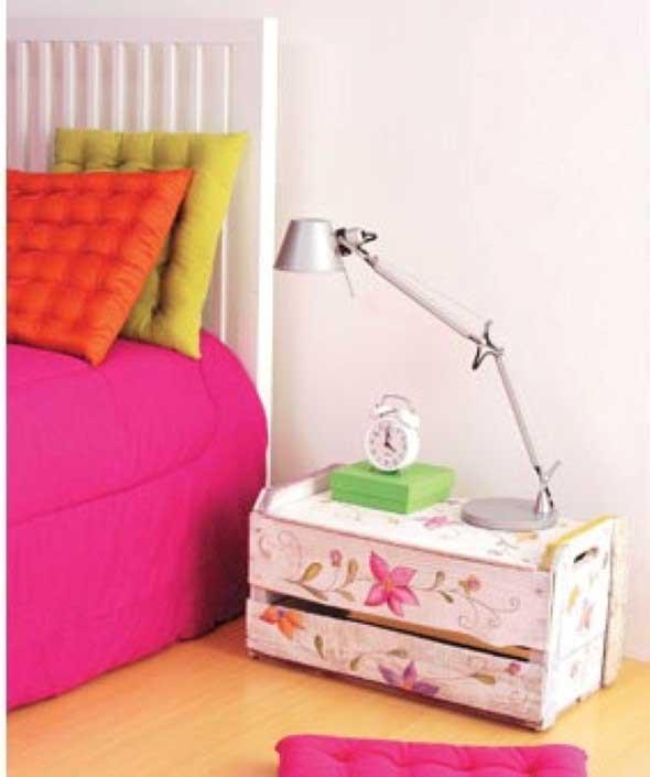 Mesas feitas com paletes e caixotes de feira 016