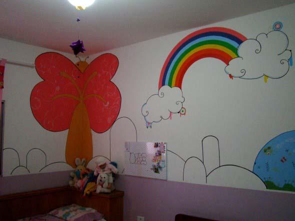 Pintura divertida no quarto das crianças 008
