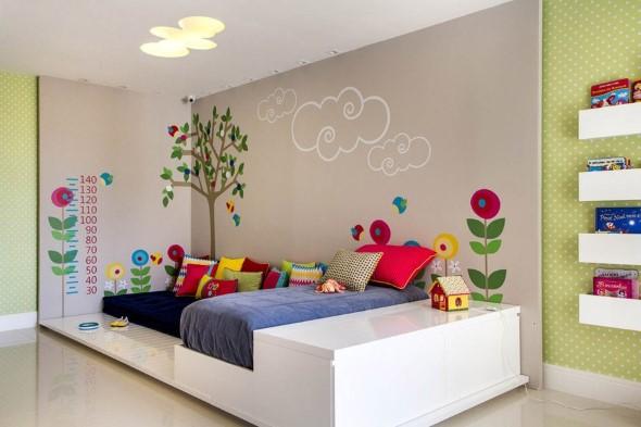 Pintura divertida no quarto das crianças 011