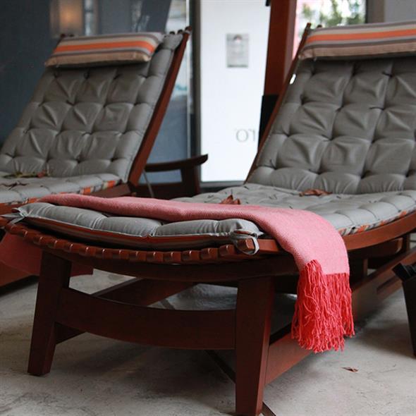 Combinações de almofadas e mantas na decoração 015