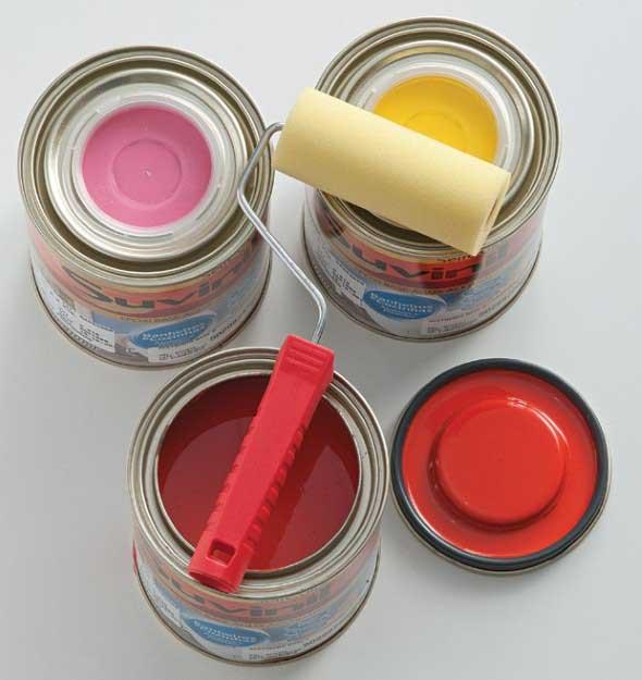 Esmalte sintético - Vendido em várias cores e marcas.