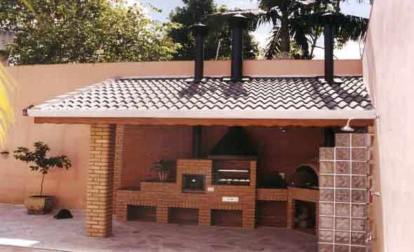 fogao-de-lenha-proximo-da-churrasqueira-004